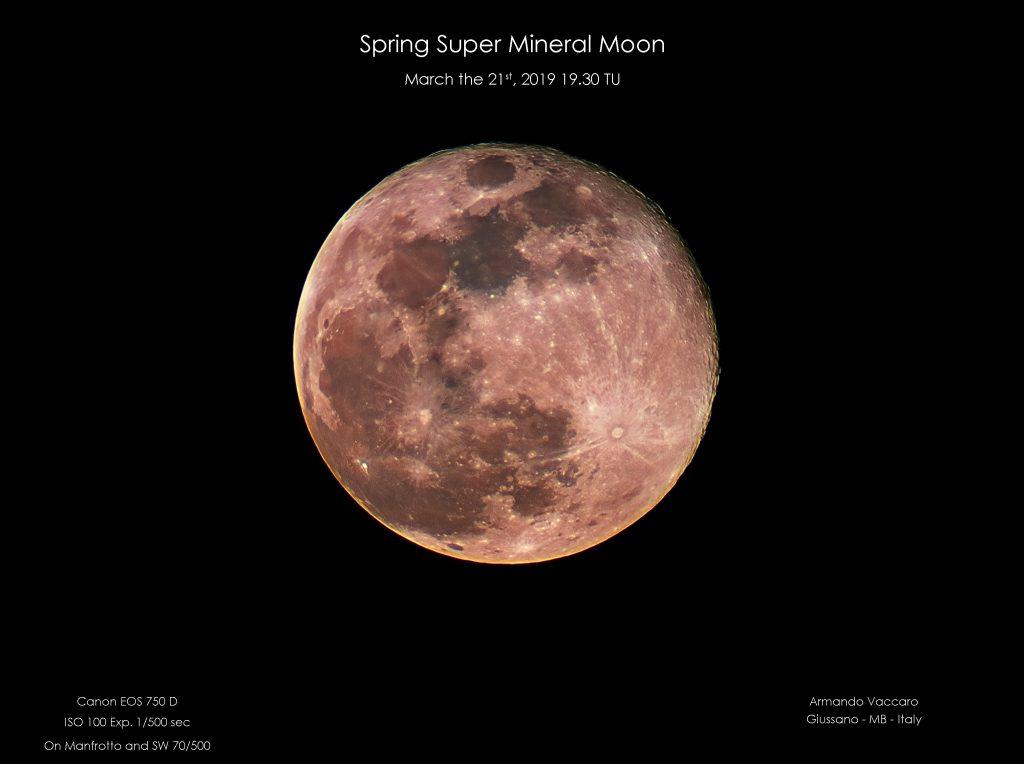 Superluna di primavera, Luna al perigeo e appena sorta, del 21-03-2019 alle 19.30 TU. Colori molto accesi...di un giallo ricco.